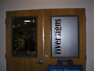 RSW_windows_09_RivSigns